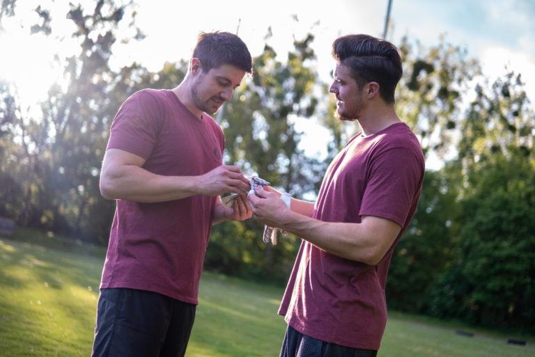 SpeCatch Marc und Daniel Football glove